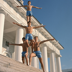 Valery Katsuba Photography Phiscultura Pyramid on the Steps of the Stock Exchange gymnasts Валерий Кацуба Физкультура Пирамида на ступеньках Биржи гимнасты